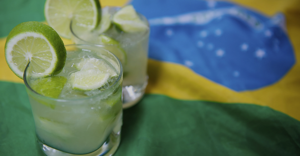 Photo of CAIPIRINHA: UN PAÍS DENTRO DE UN CÓCTEL